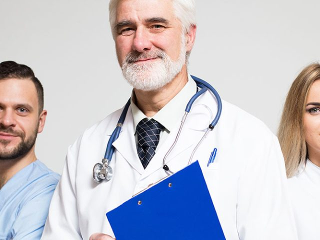 Subcontratación de personal médico, avalado por la ley